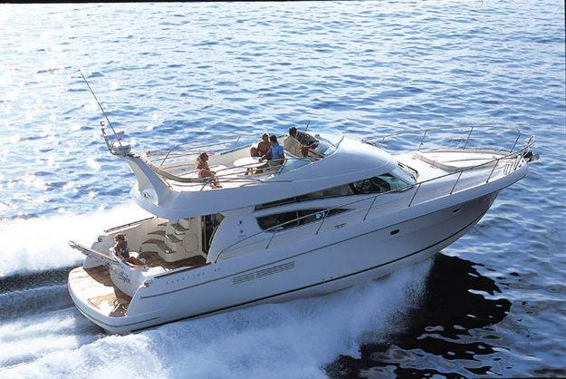 Motor yacht Jeanneau Prestige 46 for charter by AIBSAILING